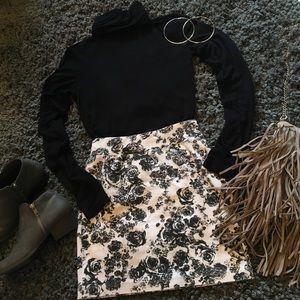 Floral mini pencil skirt.